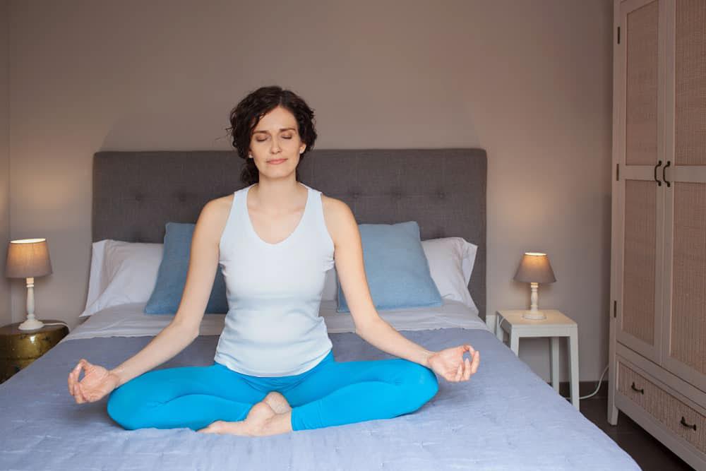 6 Ragam Teknik Pernapasan yang Patut Dicoba Agar Tidur Lebih Cepat dan Lelap
